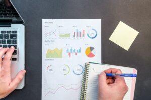 技術報告書の表とグラフ/図ではキャプションの記載位置が異なる